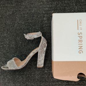 Grey/Silver Arther Heels
